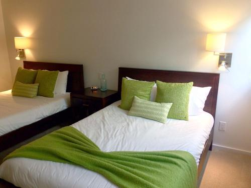 A bed or beds in a room at Lodge at Lionshead