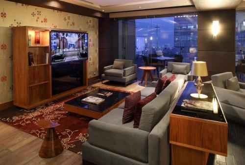 A seating area at JW Marriott Hotel Mexico City Santa Fe