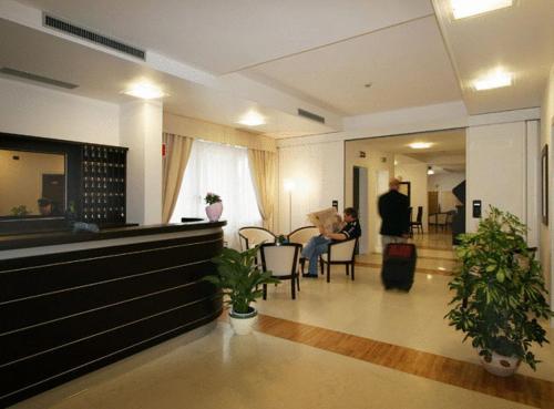 The lobby or reception area at Hotel Mary