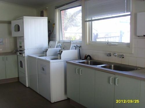A kitchen or kitchenette at Sav