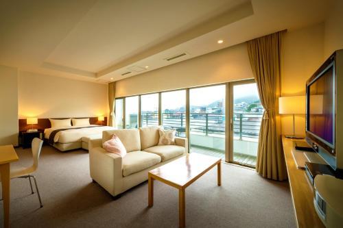 A seating area at Villa Concordia Resort & Spa