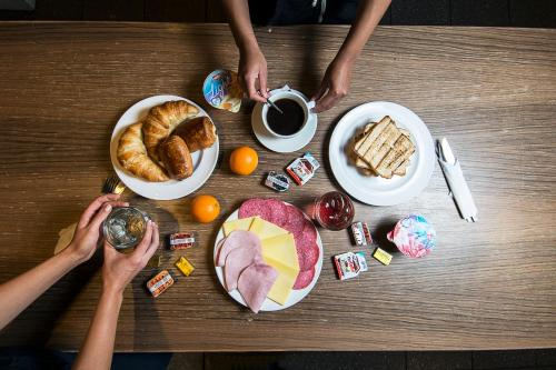 Breakfast options available to guests at Safestay York