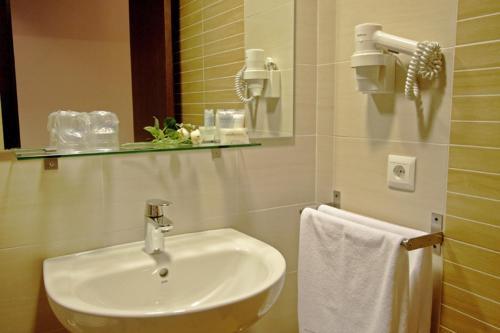 Bagno di Dormavalencia Hostel Regne