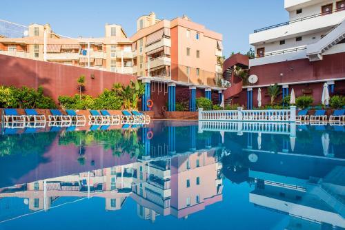 Het zwembad bij of vlak bij Udalla Park - Hotel & Apartamentos