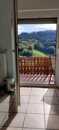 Ein Balkon oder eine Terrasse in der Unterkunft Ferienwohnung Christa