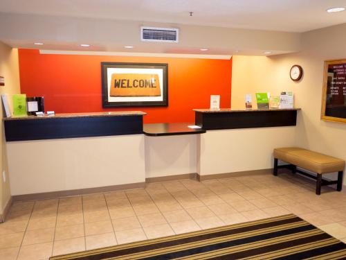 The lobby or reception area at Extended Stay America Suites - Orlando - Lake Buena Vista