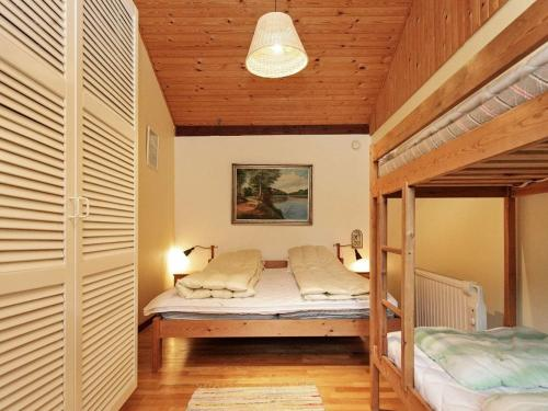 Ein Bett oder Betten in einem Zimmer der Unterkunft Holiday home Nykøbing Sj