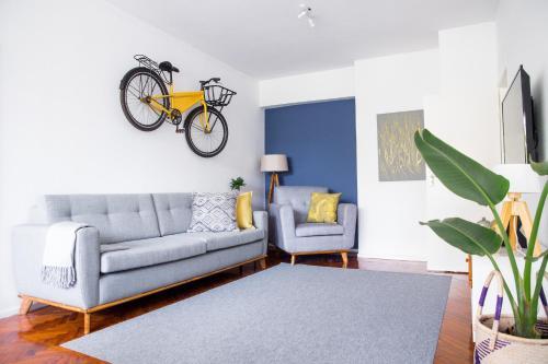 The Yellow Bike Maison