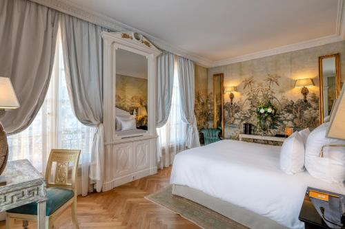 A bed or beds in a room at Villa Saint-Ange