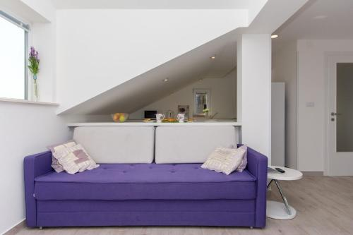 A seating area at Apartment Lavender