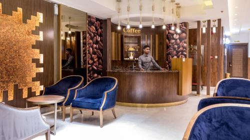 O saguão ou recepção de Al Louloah Al Baraqah Furnished Apartments