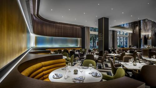 A restaurant or other place to eat at Fairmont The Queen Elizabeth
