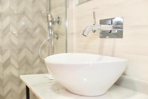 A bathroom at Hotel Cedran