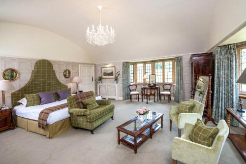 A seating area at Buckland Manor - A Relais & Chateaux Hotel