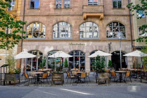 A restaurant or other place to eat at Bruderherz