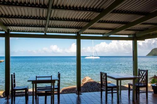 A restaurant or other place to eat at Picard Beach Cottages