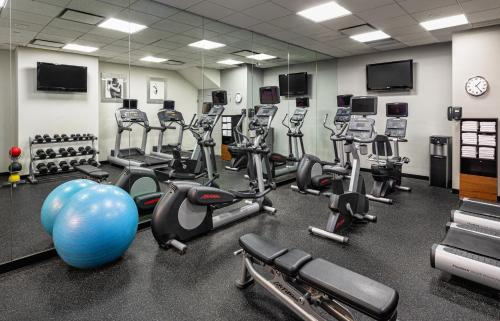 The fitness center and/or fitness facilities at Courtyard New York Manhattan/Times Square