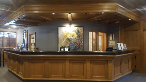 The lobby or reception area at Whistler's Inn