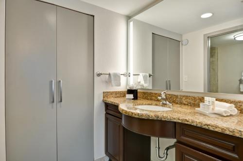 A bathroom at Homewood Suites by Hilton Lake Buena Vista
