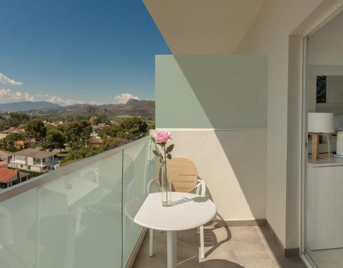 A balcony or terrace at Hotel Villa Luz