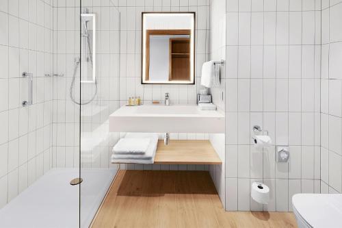 A bathroom at Hilton Garden Inn Riga Old Town