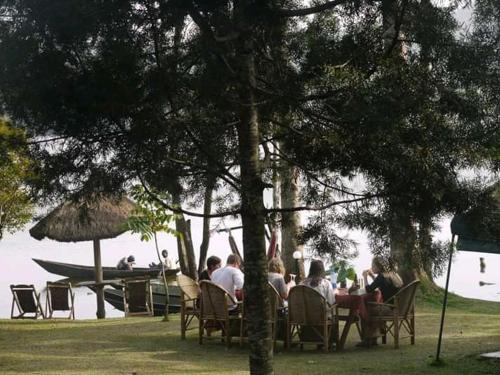 A restaurant or other place to eat at Rweteera Safari Park