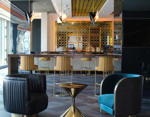 Salon ou bar de l'établissement Hotel Indigo - Los Angeles Downtown, an IHG Hotel