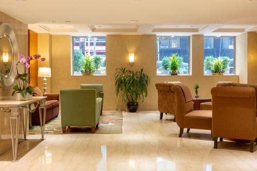 El vestíbulo o zona de recepción de San Carlos Hotel New York