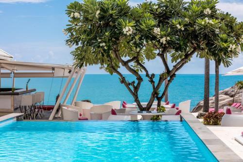 Der Swimmingpool an oder in der Nähe von Beluga Boutique Hotel