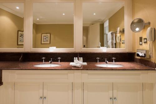 A bathroom at Chewton Glen Hotel