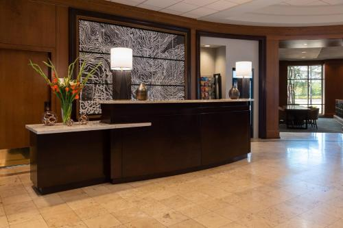 The lobby or reception area at Chicago Marriott at Medical District/UIC