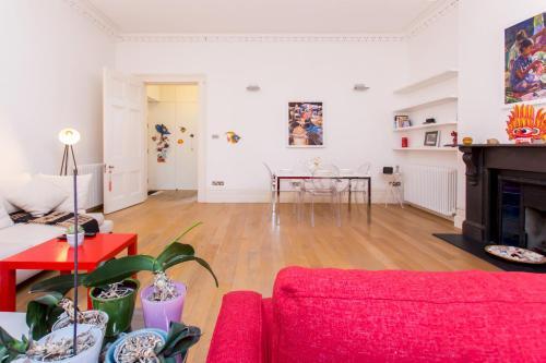 Coin salon dans l'établissement Kensington Gardens · Unique and Light Apartment, Bayswater
