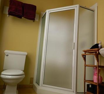 A bathroom at EJ Bowman House Bed & Breakfast