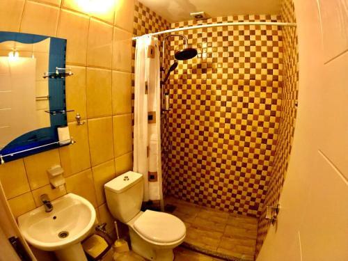 A bathroom at Hotel Bavaria