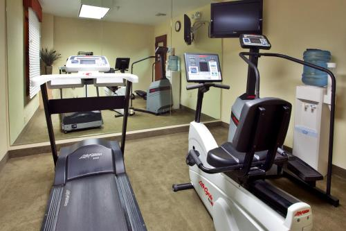 The fitness center and/or fitness facilities at Holiday Inn Express Breaux Bridge, an IHG Hotel
