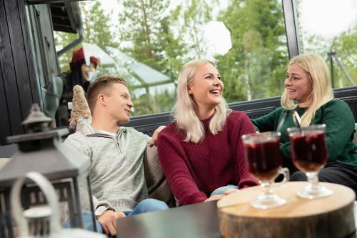 Guests staying at Santa's Igloos Arctic Circle