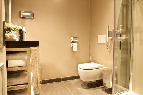 Een badkamer bij Hotel-Herberg D'n Dries
