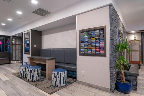 The lobby or reception area at Best Western Plus Sands
