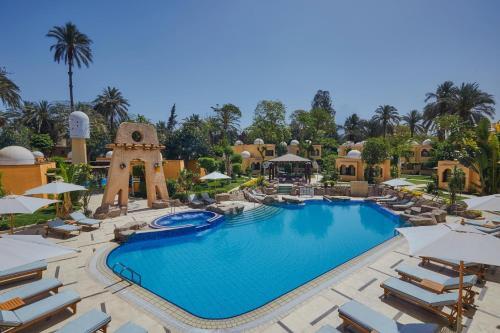 منظر المسبح في Steigenberger Resort Achti او بالجوار