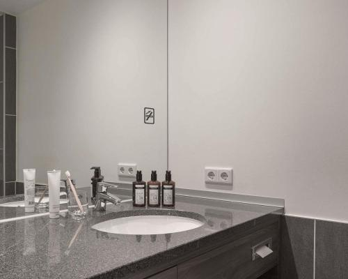 A bathroom at Factory Hotel