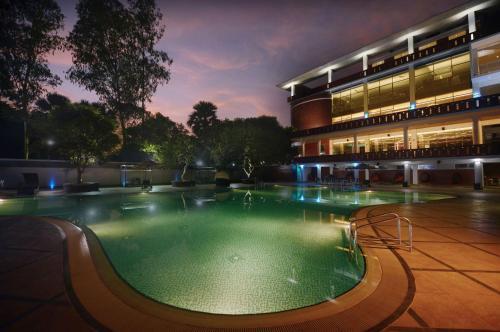 The swimming pool at or near Sarah Resort
