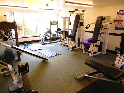 The fitness centre and/or fitness facilities at The Waterside