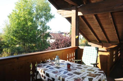 Ein Restaurant oder anderes Speiselokal in der Unterkunft Maurer Ferienwohnungen