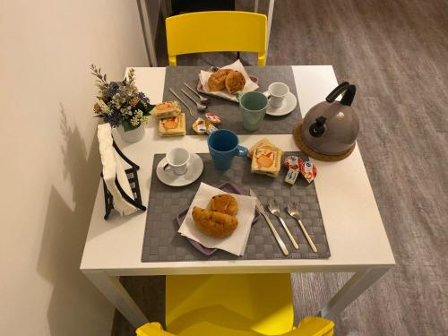 Breakfast options available to guests at B&B La Grancia