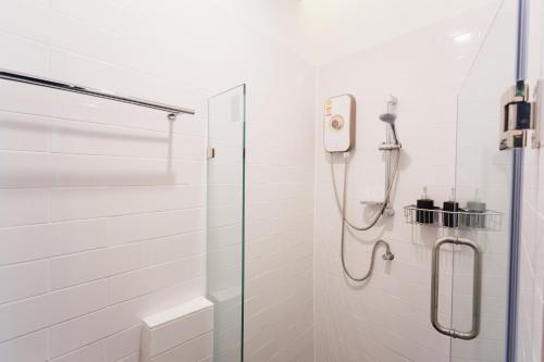 A bathroom at Spinomad hostel