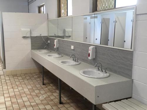 A bathroom at Lorne Foreshore Caravan Park