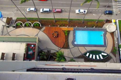A view of the pool at Aquarius On The Beach or nearby