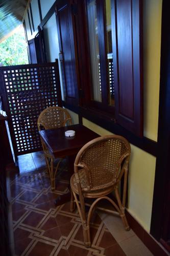Ein Balkon oder eine Terrasse in der Unterkunft Villa Somphong Namkhan View