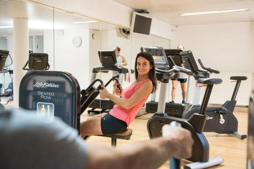 The fitness center and/or fitness facilities at Vayamundo Oostende - Apartments