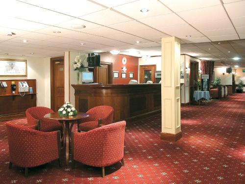 The lobby or reception area at Britannia Hotel Newcastle Airport